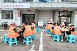 爱心人士王若楠为环卫工人提供早餐(十一)